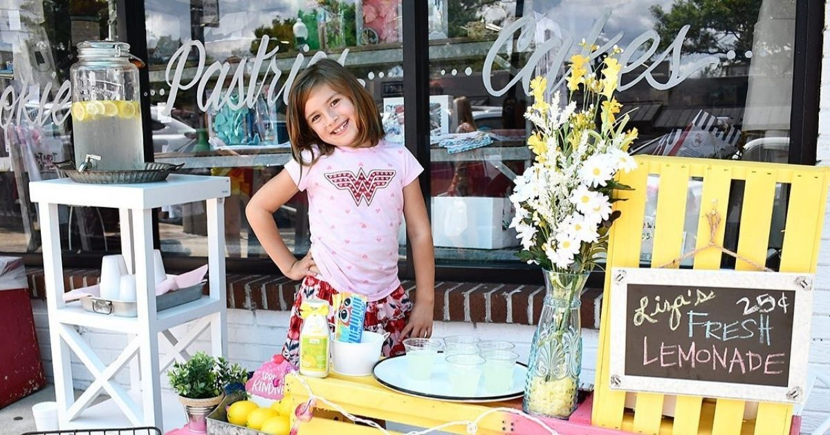 7-year-old girl raises $250k by opening a lemonade stand to help fund her own brain surgeries.